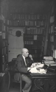 Dr Alfred Wiener